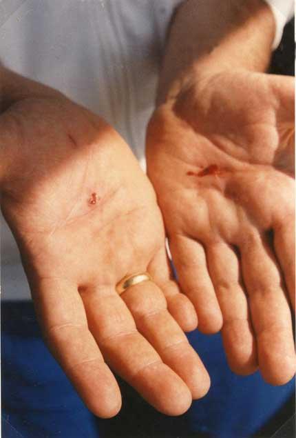 3 settembre 1989 Le stimmate nelle palme delle mani