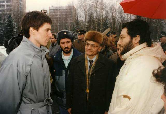 """Mosca 10 Aprile 1992 """"Città Spaziale Russa"""" Giorgio Intervista il Cosmonauata Serghei Krikaliov."""