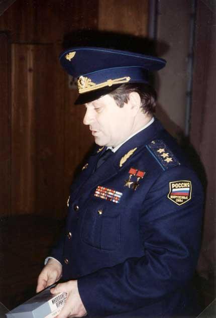 """Russia - Mosca """"Centro controllo dei voli Spaziali"""" il Generale Kovalënok."""