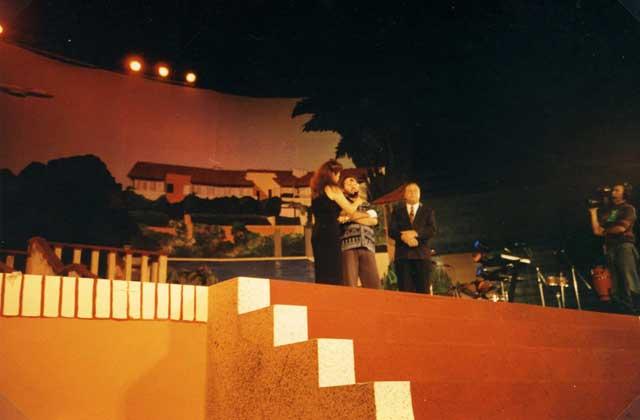 """Mexico Dicembre 1996 Giorgio partecipa al programma televisivo """"Telethon""""."""