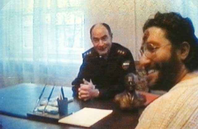 Russia - Tver 5 Febbraio 1997 Giorgio durante il colloquio con il Generale G.Rescetnikov.