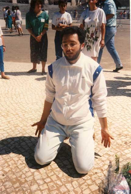 2 settembre 1989 Giorgio in estasi nella piazza di Fatima