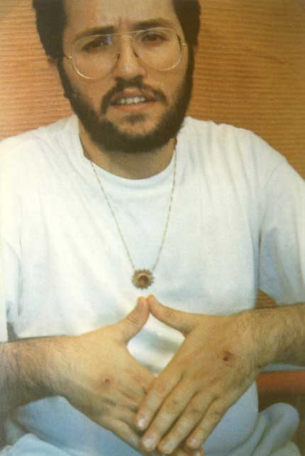 2 settembre 1989 Giorgio di ritorno da Fatima con le stimmate nel dorso delle mani