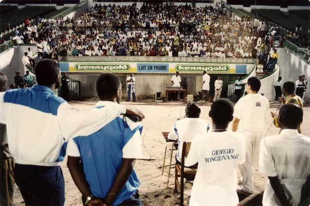 Zaire 25 Dicembre 1992 Conferenza Pubblica allo Stadio Tata Raphael.