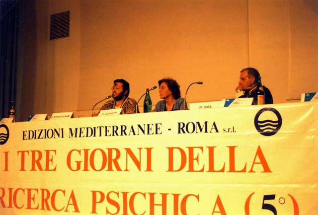 """Riccione Sabato 19 Aprile 1997 Congresso delle """"Edizioni Mediterranee"""" Con Giorgio, Paola Giovetti e Roberto Doz."""